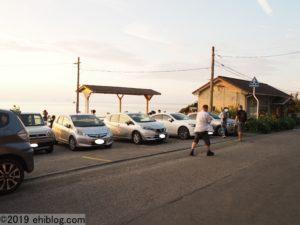 夕やけ時の下灘駅前