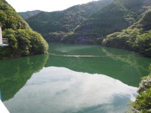 山財ダムの湖、鷺里湖