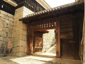 松山城一の門