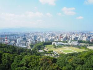 松山城から市街を望む