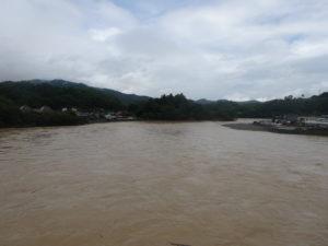 氾濫翌日の肱川
