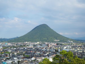 丸亀城三の丸から見る讃岐富士