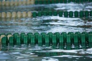 プールで水中ウォーク