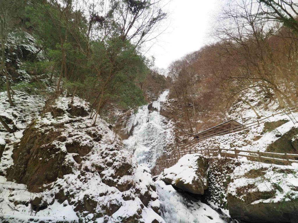 愛媛県東温市「白猪の滝」