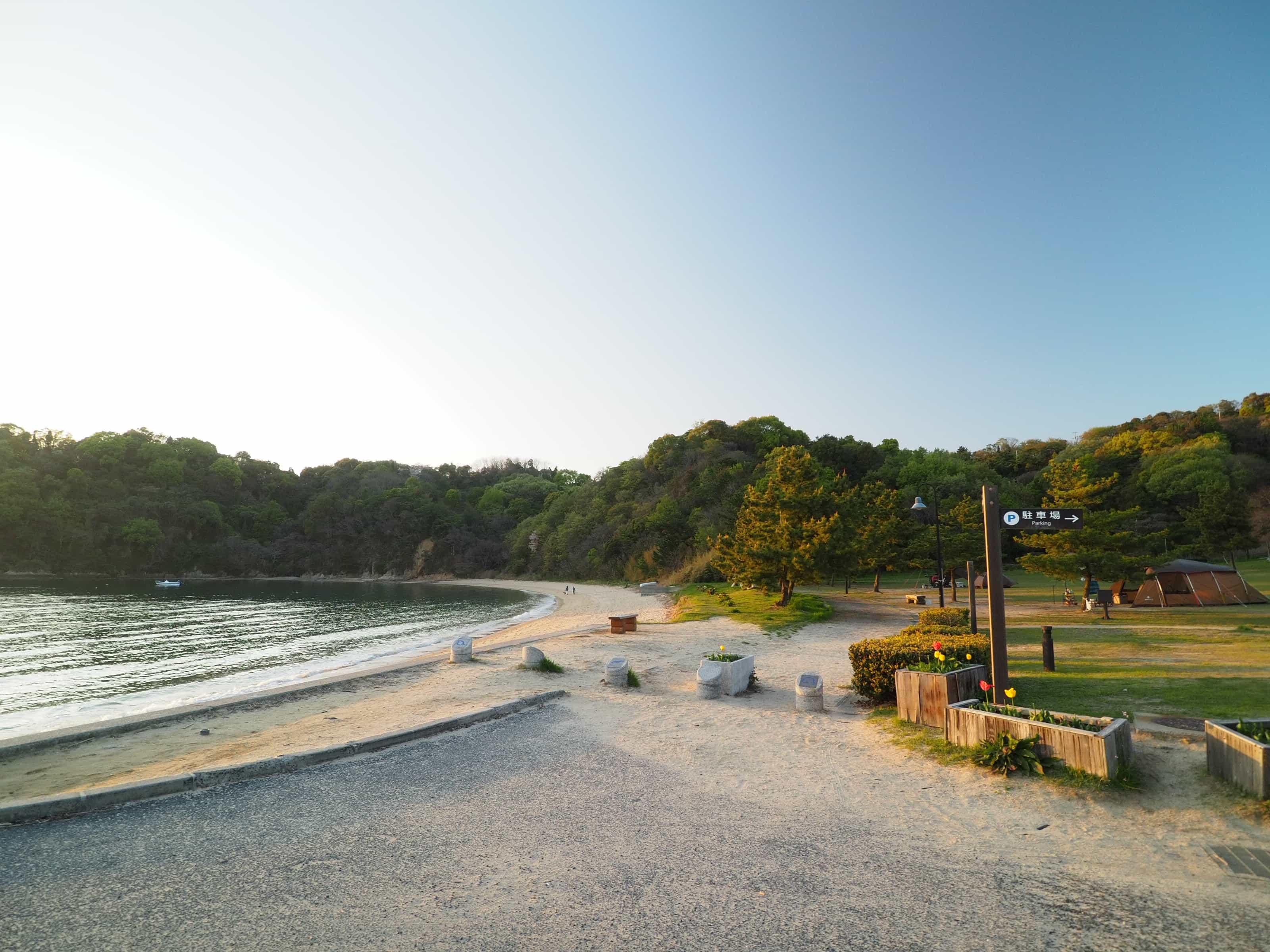愛媛県「鴨池海岸公園キャンプ場」